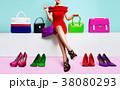 沢山の靴とバッグと女性 ショッピング ファッション 38080293