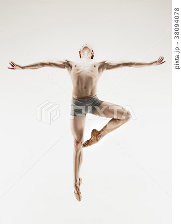 Athletic ballet dancer in a perfect shape 38094078