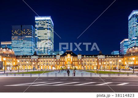 東京駅 駅前夜景 38114823