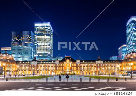 東京駅 駅前夜景 38114824