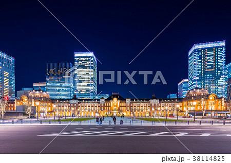 東京駅 駅前夜景 38114825