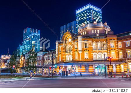 東京駅 駅前夜景 38114827