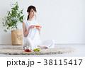若い女性(紅茶) 38115417