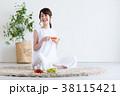若い女性(紅茶) 38115421