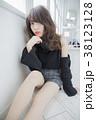 ミディアム 女性 人物の写真 38123128
