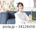若い女性(ワイン) 38126456