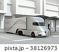 急速充電ステーションに充電中の電動セミトラックのイメージ 38126973