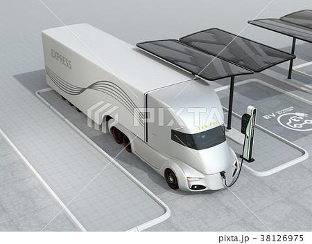 急速充電ステーションに充電中の電動セミトラックのイメージ 38126975