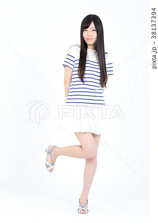 若い女性 ファッション ポートレート 38137394