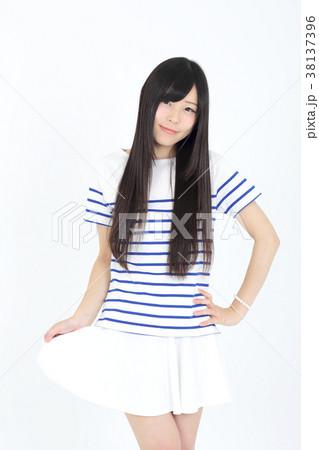 若い女性 ファッション ポートレート 38137396
