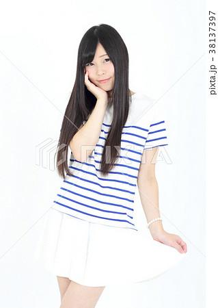 若い女性 ファッション ポートレート 38137397