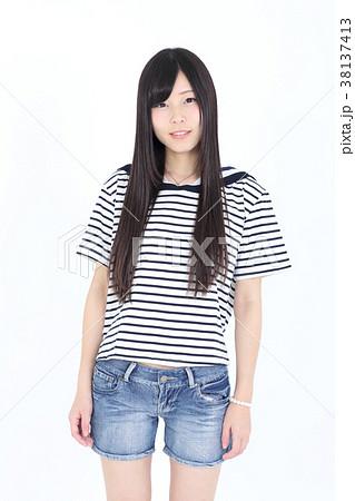 若い女性 ファッション ポートレート 38137413