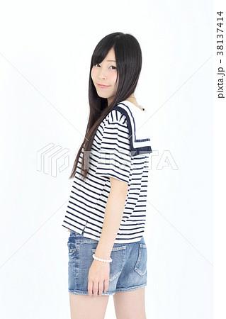 若い女性 ファッション ポートレート 38137414
