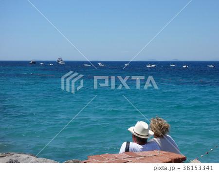 イタリア カプリ島 寄り添う恋人 Italy Isola di Capri 38153341