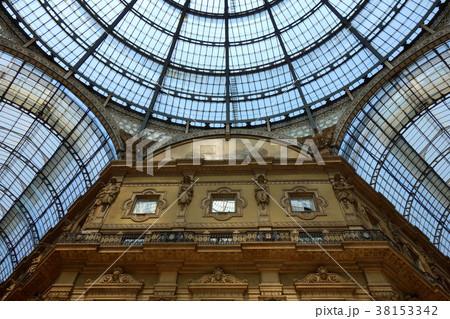 イタリア ミラノ ヴィットーリオ・エマヌエーレ2世のガッレリア Italy Milano 38153342