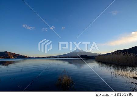 富士山の夕景・河口湖 大石公園(山梨県) 38161896