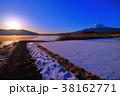 富士山 日の出 河口湖の写真 38162771
