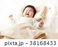 女性 赤ちゃん 赤ん坊の写真 38168433