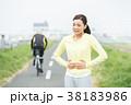 スポーツウェアを着た女性 38183986