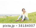 スポーツウェアを着た女性 38184007