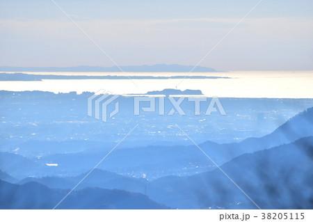 陣馬山から見た江の島、三浦半島、房総半島 38205115