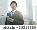 スマートフォン ビジネスマン 若いの写真 38218880