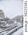 冬の定山渓温泉街 38225381