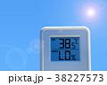 夏のイメージ_真夏、猛暑_温度計 38227573