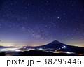 御坂山地・雪頭ヶ岳から見る富士山と雲海・星空 38295446