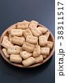 乾パン 38311517