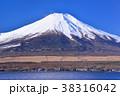 山中湖と富士山-777173 38316042
