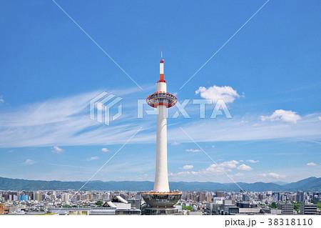 五月晴の京都タワー 38318110