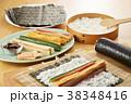 巻き寿司 調理シーン 寿司の写真 38348416