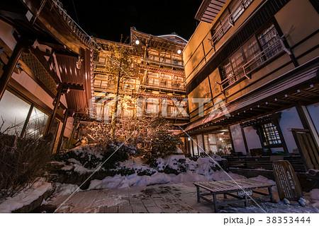 信州 渋温泉 38353444