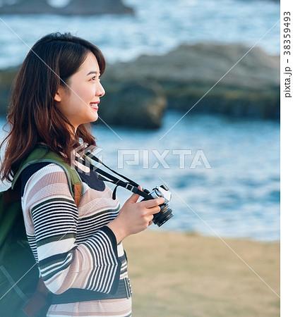 女性 海辺 旅 撮影 38359493