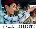 ドライブを楽しむ仲間たち 38359658
