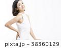 ポートレート 女性 ポーズの写真 38360129