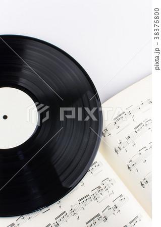 楽譜とレコード 38376800