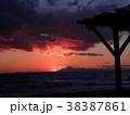 稲毛海岸の日没後の富士山 38387861