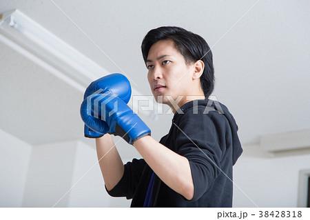 若い男性(ボクシング) 38428318