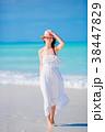 ビーチ 浜辺 女の写真 38447829