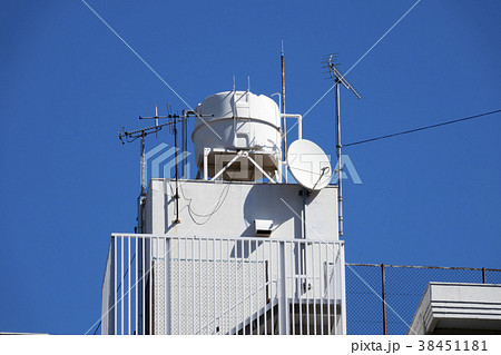 マンション・共同住宅の屋上 高架水槽 塔屋 アンテナ 38451181