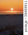 厳冬の夜明け 38469911