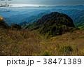 新緑の両神山から秩父方面の眺め 38471389