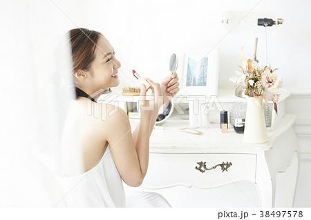 女性 メイクアップ ビューティー 38497578