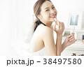 女性 メイクアップ ビューティー 38497580