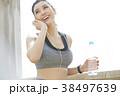 女性 スポーツ ランニング 38497639
