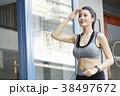 女性 スポーツ ランニングの写真 38497672