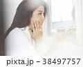 女性 若い女性 鏡の写真 38497757
