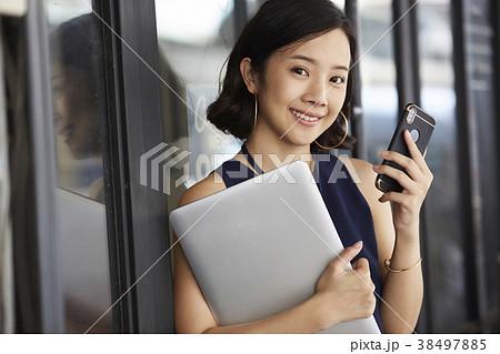 女性 ビジネス カフェ 38497885